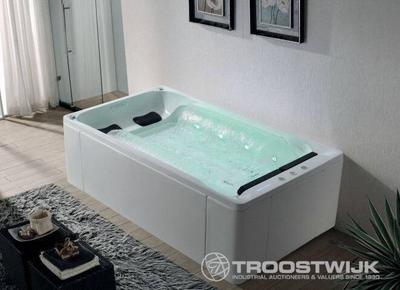 Luxury wellness LW-WP-218 2-persoons vrijstaand massagebad met waterval