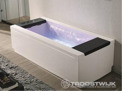 Luxury wellness LW-WP-219 2-persoons vrijstaand massagebad met waterval